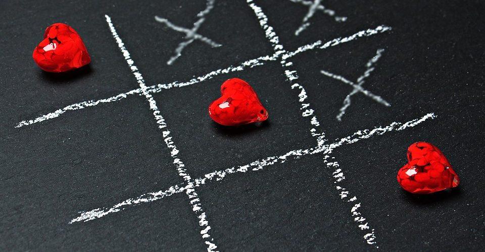 Tres cosas hay en la vida Social Media, dinero y amor
